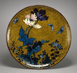 Plato de inspiración japonesa. Joseph-Théodore Deck, ca. 1875. Walters Art Museum, Baltimore, Estados Unidos.