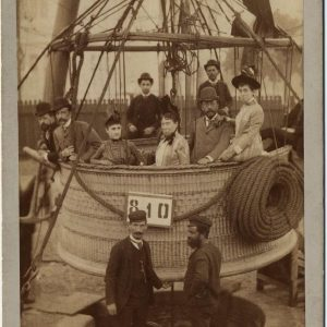 Los marqueses de Cerralbo y Antonio y Amelia del Valle en un globo aerostático en la Exposición Universal de Barcelona de 1888. Antonio Esplugas. Museo Cerralbo, Madrid, Nº Inv.: FF03663.