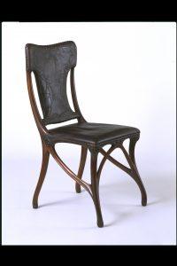 Silla, diseñada por Eugène Gaillard, construida por Siegfried Bing, ca.1899-1900. Victoria & Albert Museum, Londres.